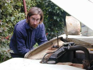 Land Rover mechanic doing his craft in Nairobi, 2001